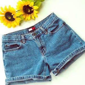 VTG 90s Tommy Jeans Shorts, size 5